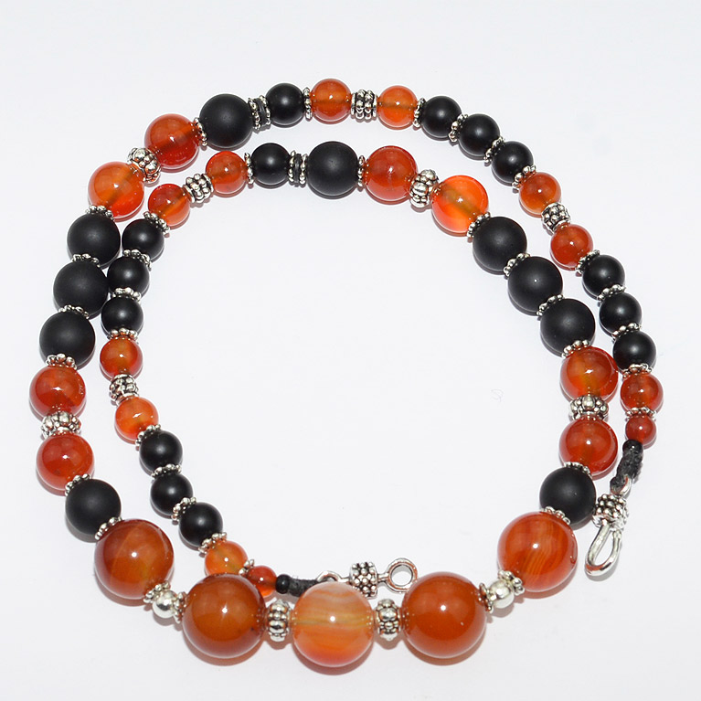 Silver, matt onyx and carnelian agate necklace