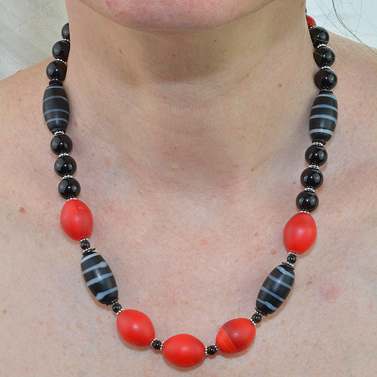 Antique Red Dutch Amp Lamp Bead Necklace Beaded Necklaces