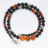 Gemstone necklace with carnelain and obsidian beads